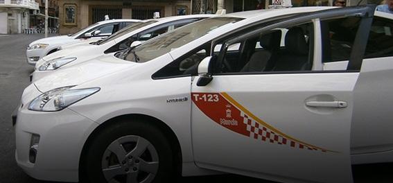 Ayudas para que los taxistas modernicen sus coches
